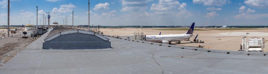 Przykład zastosowania piany pur na dachu lotniska